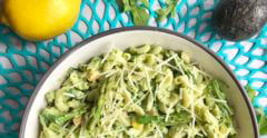 healthy pasta recipe with asparagus and peas in creamy avocado sauce