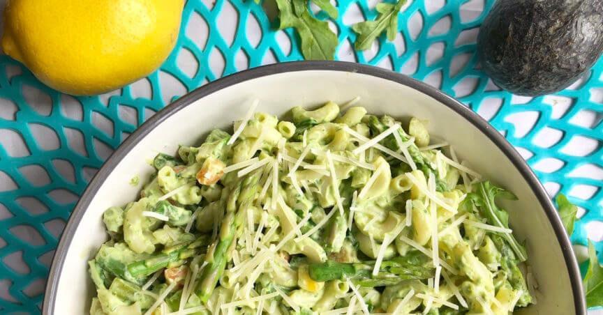 healthy pasta recipe with asparagus and peas in creamy avocado sauce